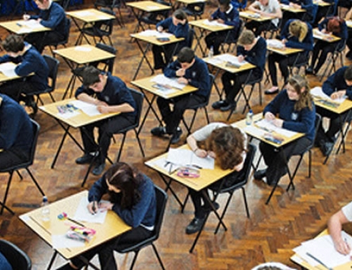 GCSE Resits: Pass Rates Improve for English but not Maths